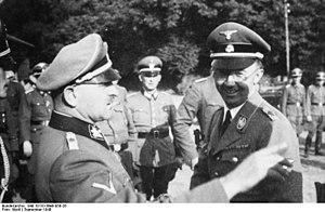 Bundesarchiv Bild 101III-Weill-058-26, Metz, Heinrich Himmler, Sepp Dietrich.jpg