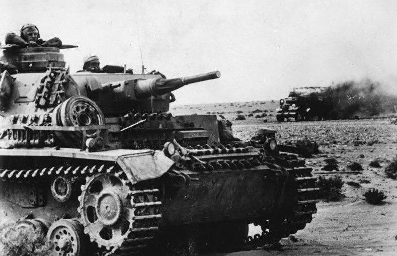 Bundesarchiv Bild 146-1976-091-06, Nordafrika, Panzer III