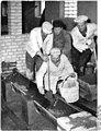 Bundesarchiv Bild 183-30031-0002, Berlin-Wartenberg, LPG 1. Mai, Maurer.jpg