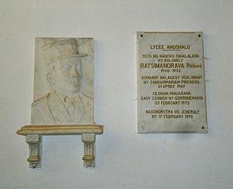 Richard Ratsimandrava - Bust of Ratsimandrava