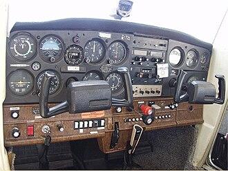 Cessna 152 - Instrument panel