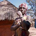 COLLECTIE TROPENMUSEUM Portret van een Kaonde vrouw in de omgeving van Kasempa TMnr 20039220.jpg