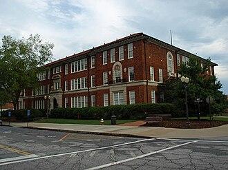 Clemson University Historic District II - Image: CU Riggs Hall Aug 2010
