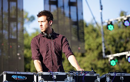 Harris performing in Orange County, California (2011) Calvin Harris 2011 (7395509804).jpg