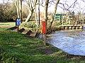Canoe portage point near Bungay Sluice - geograph.org.uk - 2303184.jpg