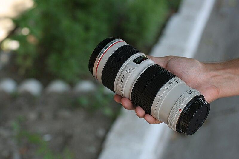 File:Canon EF 70-200mm F4L USM lens.JPG