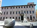 Carrara-piazza Accademia.jpg