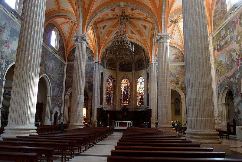 File:Catedral Albacete interior.JPG