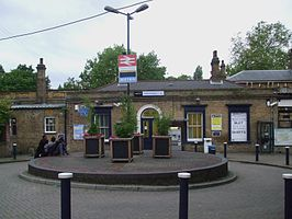 Catford Bridge stn building.JPG