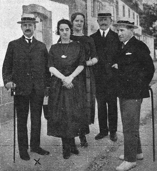 Celestino Sánchez Rivera coa colonia estranxeira en Cuntis 1921