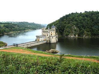Loire (department) - Image: Chateau La Roche St Priest