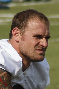 8a68341a5 Chris Long - Wikipedia