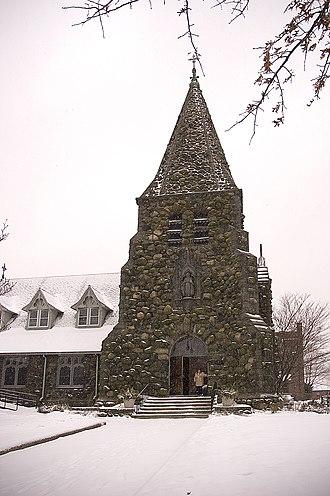 Christ Episcopal Church (Waltham, Massachusetts) - Christ Church after a snowfall