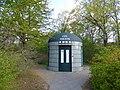 City toilette at Tiergarten.jpg