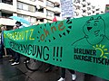 """Climate protection banner at the """"Mietenwahnsinn Stoppen!"""" Demonstration in Berlin in April 2018 02.jpg"""