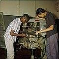 Collectie Nationaal Museum van Wereldculturen TM-20029641 Leerlingen op de John F. Kennedy Technische School Aruba Boy Lawson (Fotograaf).jpg