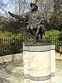 Columbus statue, Belgrave Square, Belgravia - DSC05408.JPG