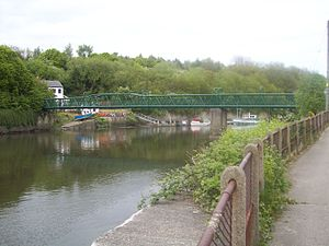 Cox Green Footbridge - Image: Coxgreen Footbridge