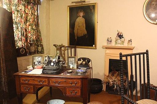 Daphne du Maurier's study