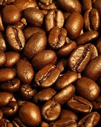 Coffee production in El Salvador - Dark roasted coffee beans from El Salvador.