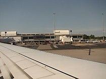 Darwin International Airport terminal.jpg
