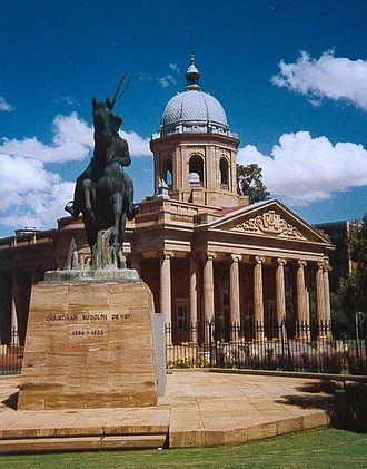 Bloemfontein - The fourth Raadsaal in Bloemfontein, with the statue of Christiaan de Wet