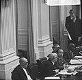 De regeringstafel met als tweede van links minister Samkalden van Justitie en re, Bestanddeelnr 918-4316.jpg