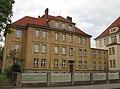 Dienstwohnungen - Ehemalige Leuchtbergschule (Lyzeum) und heutige Brüder-Grimm-Schule - Eschwege Seminarstraße1-3 - panoramio.jpg