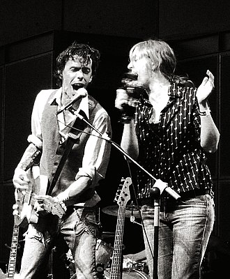 You, You're a History in Rust - Justin Small and Julie Penner singing live during a live performance of Do Make Say Think at the Canada Day show in 2007.