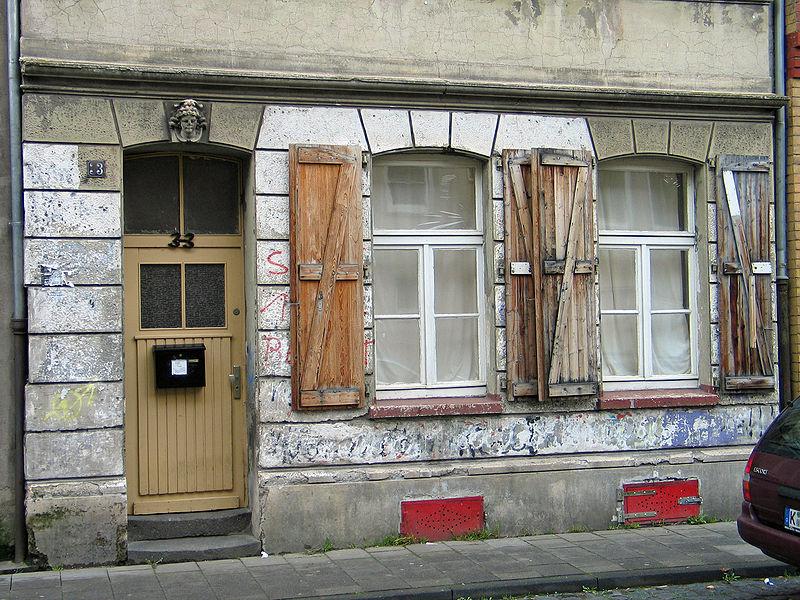 File:Dreifensterhaus1.jpg
