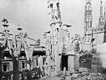 Duomo (Milan) after allied bombing 1943 01.jpg