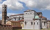 Duomo di Lucca back.jpg