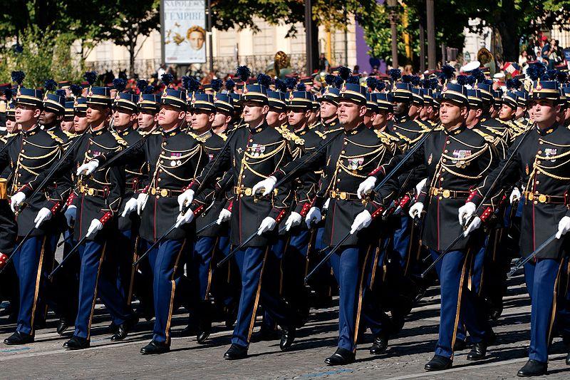 ecole des officiers de la gendarmerie nationale chacun son plumet. Black Bedroom Furniture Sets. Home Design Ideas