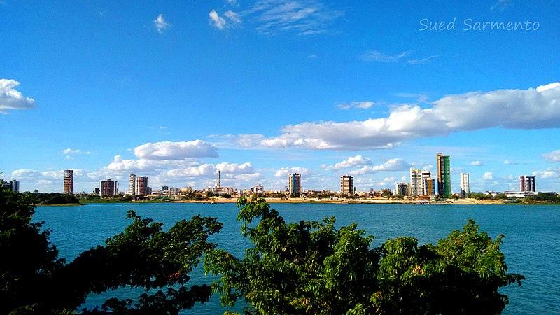 File:Edifícios na Orla I de Petrolina - Pernambuco.jpg