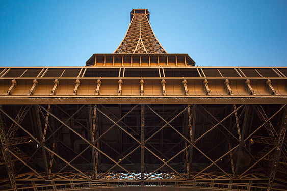 Eiffel Tower looking up.jpg