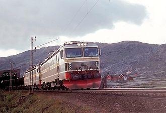 NSB El 15 - Twin El 15-unit hauling an ore train near Bjørnfjell on the Ofoten Line in 1970