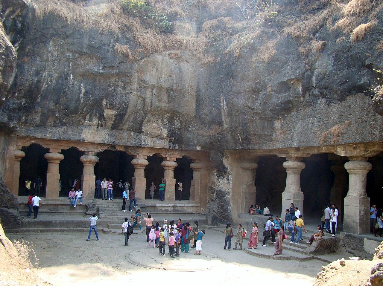 File Elephanta Caves 1 Jpg Wikimedia Commons