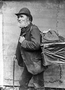 Elis the pedlar, Llanfair (Caereinion?) NLW3364121.jpg