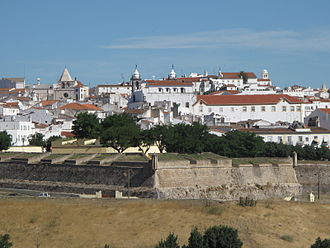 Garrison Border Town of Elvas and its Fortifications - Walls and fortifications of Elvas