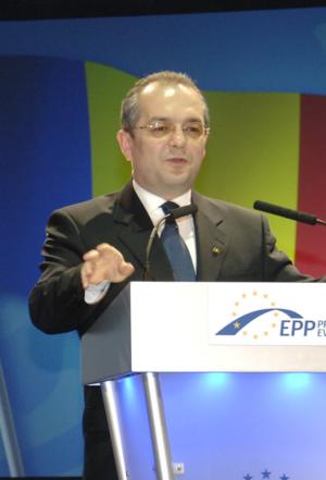 Emil Boc, en 2010, au congrès du PPE à Varsovie.