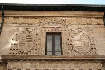 Escudos fachada Universidad de Oviedo