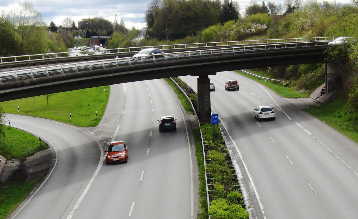 Wrong-way driving - Wikipedia