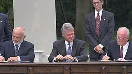 Flickr - Government Press Office (GPO) - PM YITZHAK RABIN AND JORDAN'S KING HUSSEIN SIGN THE PEACE TREATY.jpg
