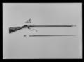 Flintlåsgevär med bakladdningssystem La Chaumette, 1720-tal, engelskt militärgevär - Livrustkammaren - 17837.tif