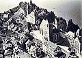 Flugbild von Walter Mittelholzer - Hintergasse-Lindenhof-Herrenberg mit Schloss, Stadtpfarrkirche, Schulhaus und Pfrundhäusern - Stadtmuseum Rapperswil - 'Stadt in Sicht - Rapperswil in Bildern' 2013-10-05 16-20-29 (P7700).JPG