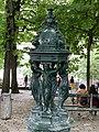Fontaine Wallace Place Émile Goudeau Paris 2.jpg