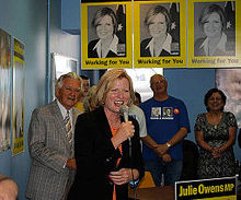 Former Labor PM Bob Hawke and Labor MP Julie Owens campaigning in 2007 (1).jpg