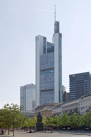 コメルツ銀行本店が入居するコメルツ銀行タワー