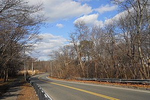 Furnace Brook Parkway - Northbound approaching Blacks Creek bridge