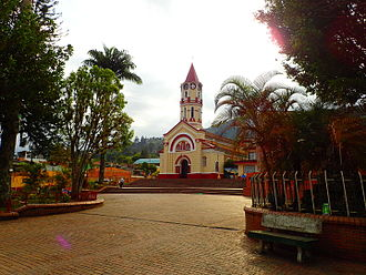 Gachalá - Central square and church of Gachalá